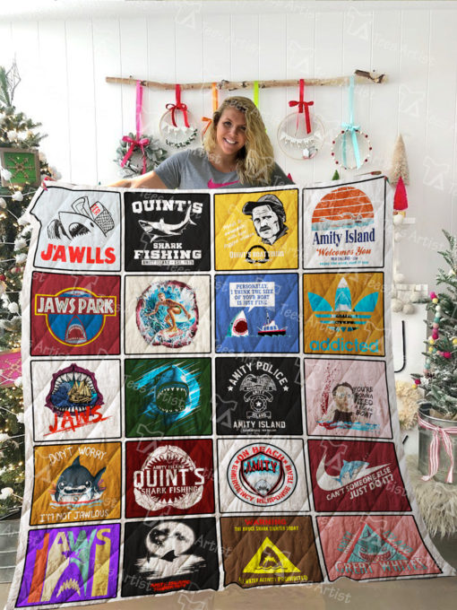 Jaws Quilt Blanket 02171
